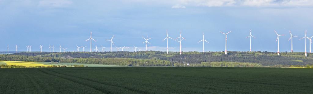 """""""Landschaft"""" im Hunsrück mit Windkraft im Wald. Dies ist keine Fotomontage!"""